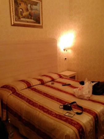 Hotel Saturnia: habitacion 2