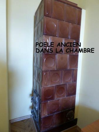 Guest Rooms Kosmopolita: cheminee dans la chambre