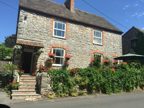 Chedwell Cottage: Welcoming first impression