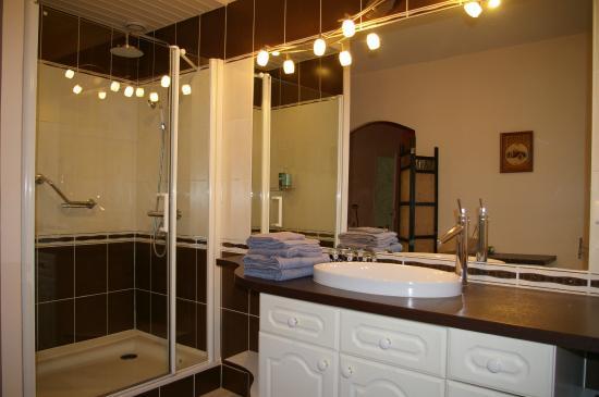La Cognee: La salle de bain de la chambre Mumtaz