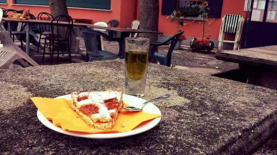 Baita Boletto Fabrizio: Crostata e Genepi