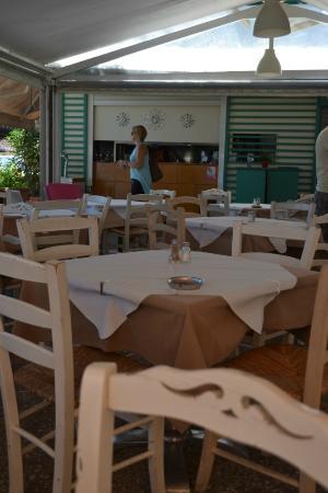 El Greco Restaurant Cafe: Столики ресторана