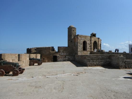 the ramparts of essaouira - photo #22