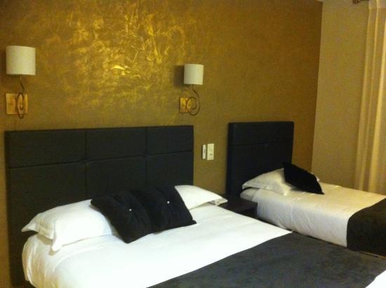 Le Relais de Farrou : Our bedroom