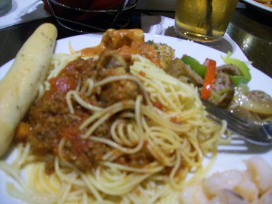 Capriz Italian Feast: Meatball & Spaghetti plate, with Garlic Breadstick