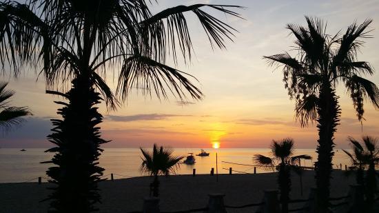 Hotel Buena Vista Beach Resort: Sunrise getting ready to go fishing