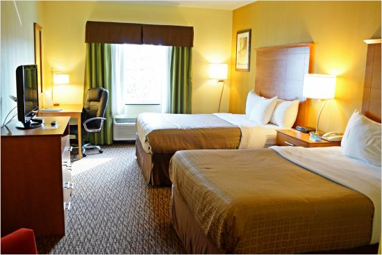 Quality Inn & Suites Shippen Place Hotel: 2 Queen Beds