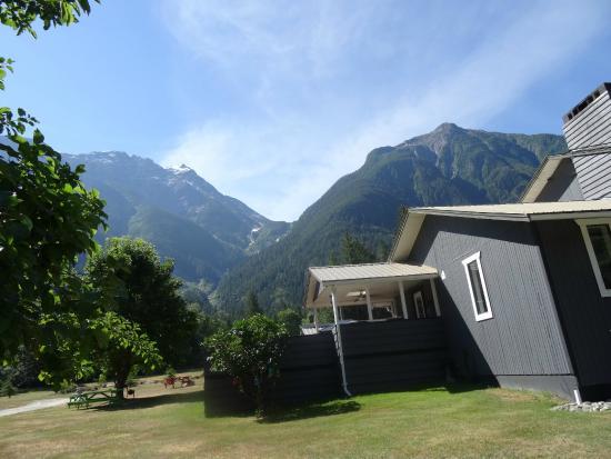 Bella Coola's Eagle Lodge: ...back side landscape...