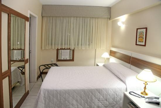 ホテル エンバシャドール