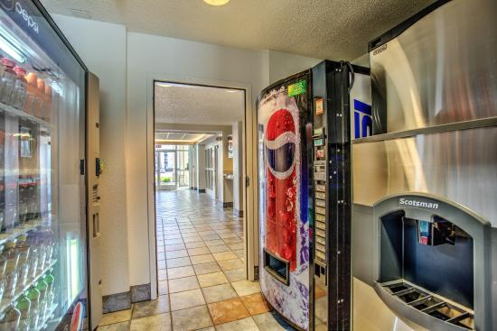 Motel 6 Missoula: Vending