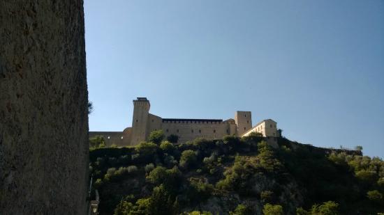 Σπολέτο, Ιταλία: La Rocca dal ponte delle torri