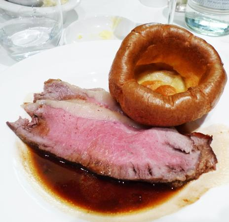 The Rex Whistler Restaurant, Tate Britain: Strip loin with Yorkshire pudding
