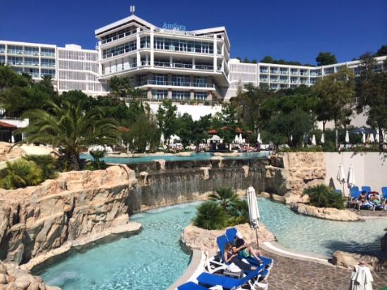 Amfora Hvar Grand Beach Resort: View of the hotel and pool