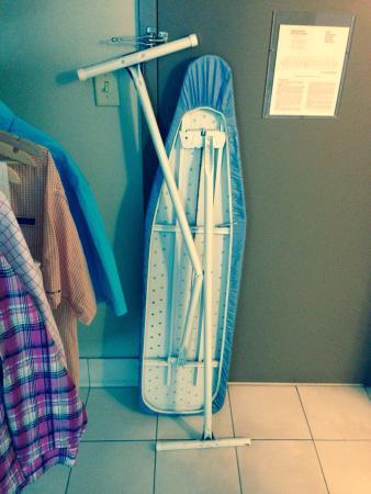 Isle of Capri Casino Hotel Lake Charles: Our ironing board