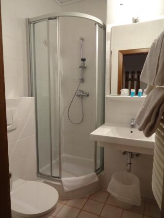 Hotel Unter den Linden: E5 bathroom