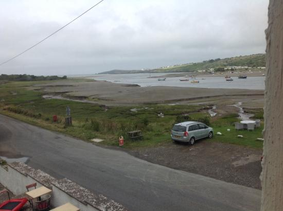 Webley Waterfront Inn and Hotel : View of Teifi estuary