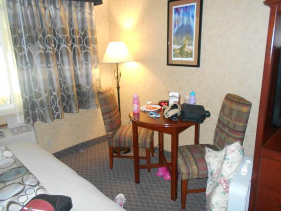 Northern Lights Hotel & Casino: the hotel room