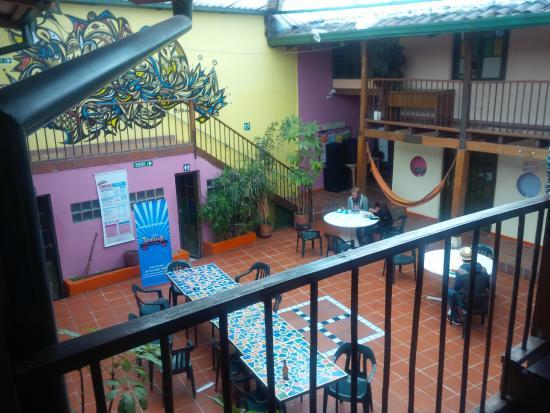 Hostal Fatima: Gran patio interno