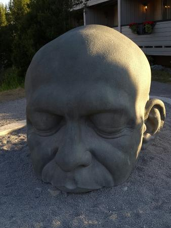 ‪Big Head Sculpture‬