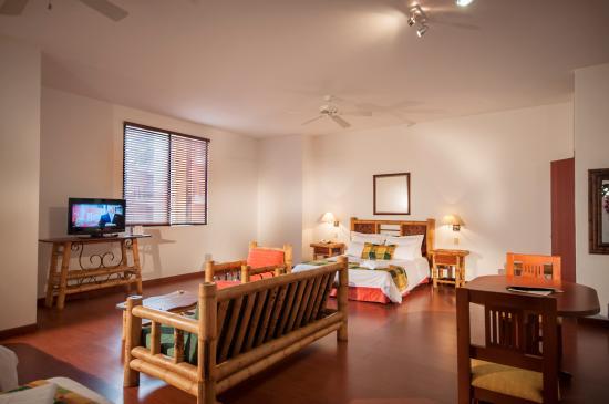 Armenia Hotel: Habitacion superior
