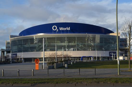 O2 world berlin alba vs maccabi main entrance for Mercedes benz stadium location