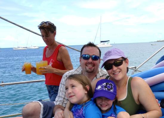 Simpson Bay, St. Maarten-St. Martin: Diane serving drinks