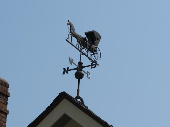Aurora Staples Inn: Carraige house weather vane