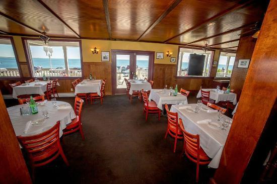 Turtle Soup Restaurant (in Ocean Rose Inn)