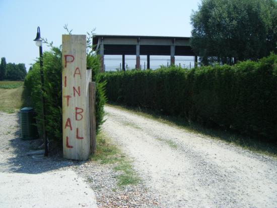 Paintball Bologna San Pietro in Casale ASD: Stradina d'accesso