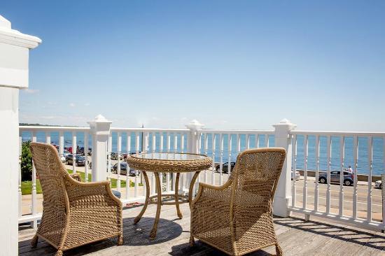 Ocean Rose Inn: View from Victorian King Balcony