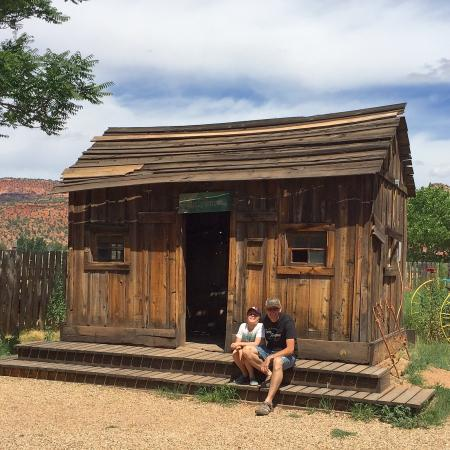 Little Hollywood Movie Museum: Worth the stop & watch the video telling you the history of Kanab