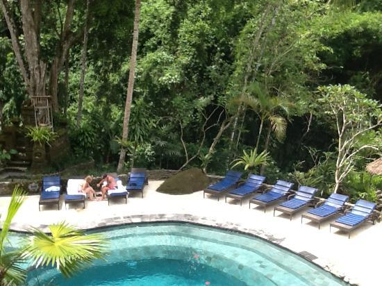 Hotel Tjampuhan & Spa: swimming pool