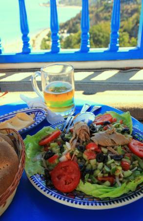 Cafe des Delices: Salade Tunisienne