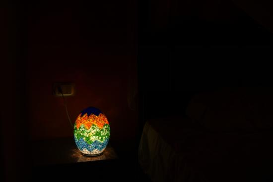 Cleopatra Hotel Luxor: I loved this lamp. It reminded me of a dragon's egg. One of the little touches in our room