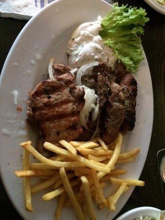 Taverna Olympisches Feuer: Snacks, kalamari og Mix grill