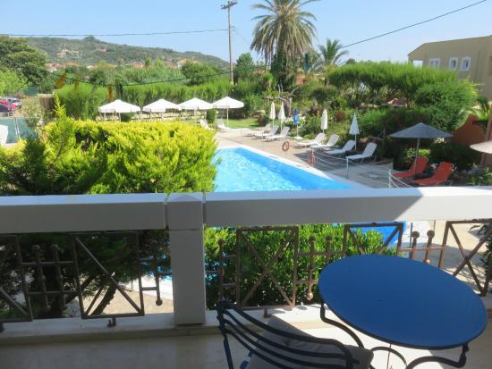 Alkyon Apartments & Villas Hotel: uitzicht terras
