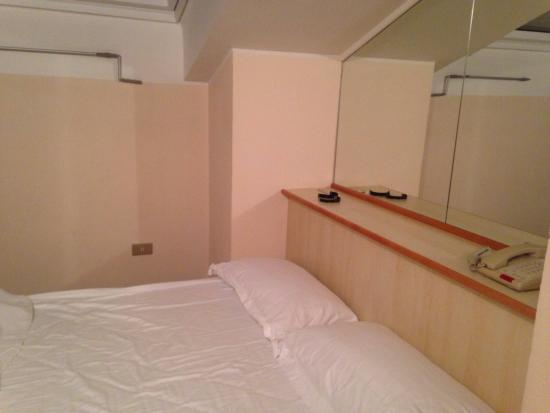 Hotel Zio Imola : La camera doppia mansardata.
