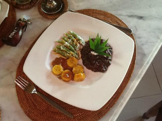 Hotel Tjampuhan & Spa: lunch