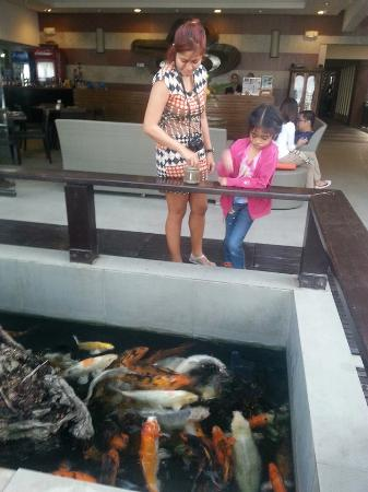 Crown Regency Beach Resort : reception area