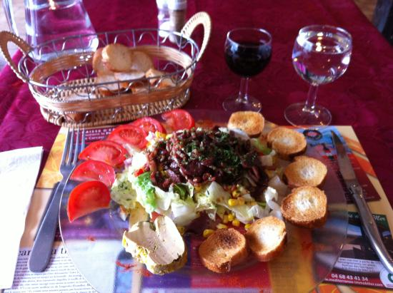 Le Relais Romain : Here's the salad