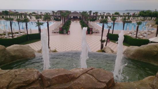 DIT Majestic Beach Resort: Территория отеля
