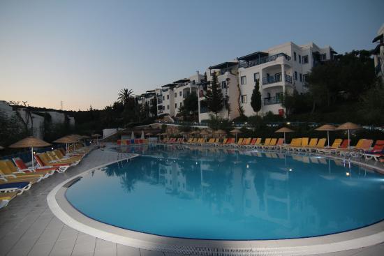 Bodrum Holiday Resort & Spa: Верхний бассейн