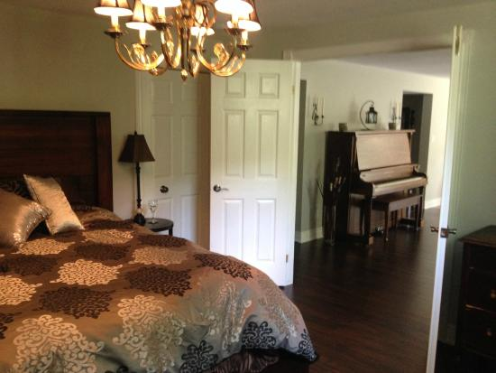 Panache Bed and Breakfast: Room