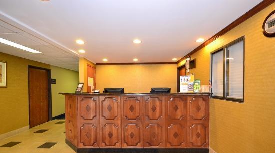 Rodeway Inn I-35/Shawnee Mission Pkwy