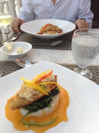 Pompano Beach Club Southampton Parish Restaurant Reviews