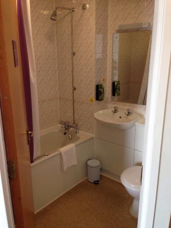 Premier Inn Ayr/Prestwick Airport Hotel: Rooms 15 & 17