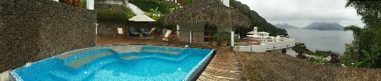 La Casa Colibri : The pool area