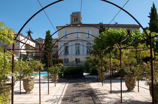 Hotel de Bastard: Vue par le jardin