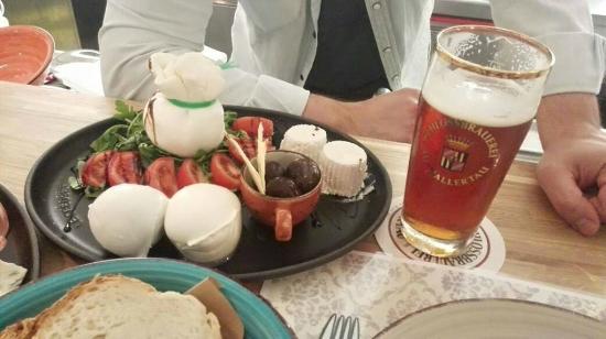 Ferrobedò: il piattobedò con bufale di Mondragone e birra del borgo