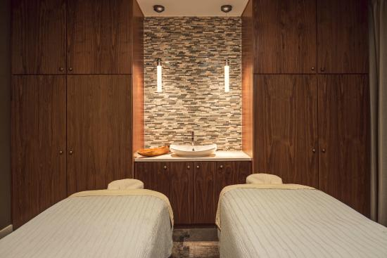 Travaasa Austin: Couples Spa Treatment Room